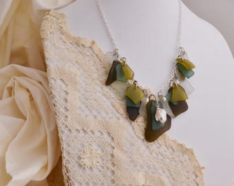 Glass Necklace of Green With Fresh Water Pearls