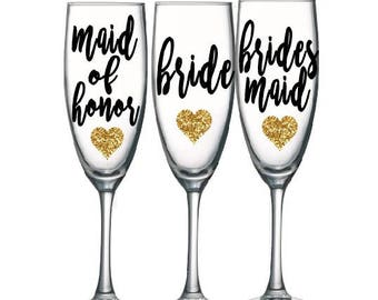 Bridesmaid champagne glasses, Bridesmaid glasses, Personalized wedding glasses, bridesmaid proposal, bridesmaid gifts, Toasting Flutes
