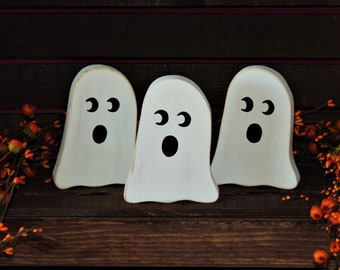 Small Country Wooden Ghost Decoration - Halloween, Fall, Primitive, Boo