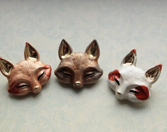 Fox Brooch || Fox head brooches, kitsune, wildlife, woodland, coyote, arctic fox