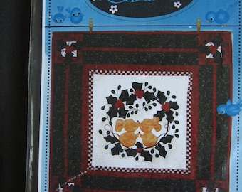 Merry Kissmas Mice Wall Quilt Pattern by Chitter Chatter Uncut UC Christmas Quilting