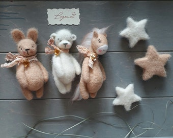 Set of wool toys for newborn photography