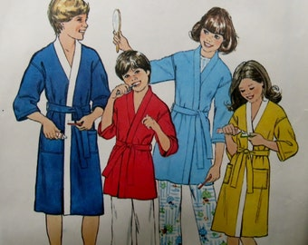 Vintage Simplicity Sewing Pattern 8120 - Every-Body Kimono Robe in 2 lengths - Size small - 1977 - children's, kids', unisex, boys, girls