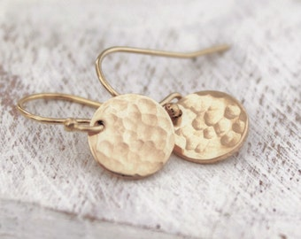 Gold Circle Disc Earrings, Small Simple Gold Earrings, Gold Coin Earrings, Tiny Gold Circle Earrings, Simple Jewelry, Dangling Coin Earrings