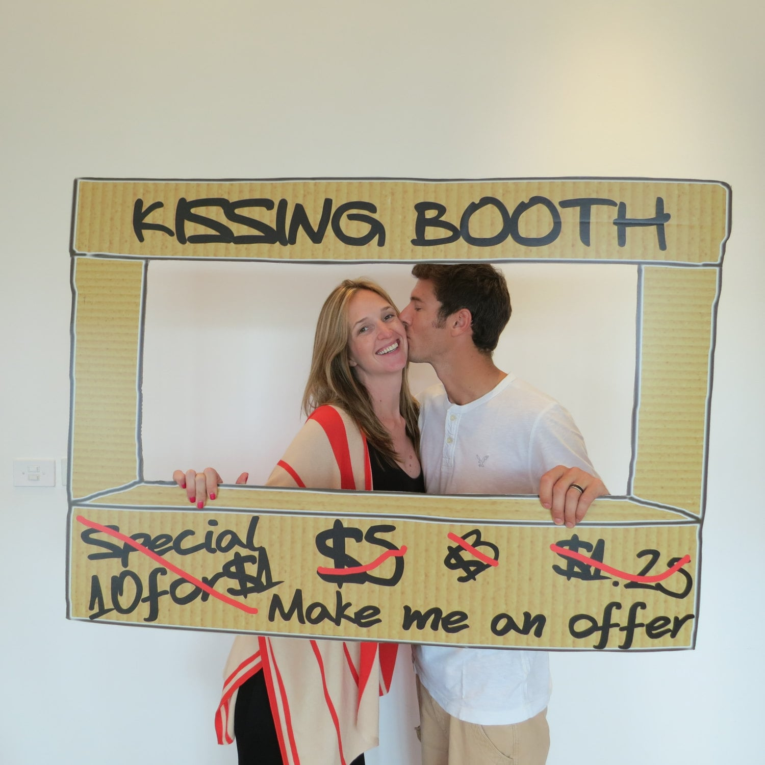 EXtra Cardboard Finish Kissing Booth Prop