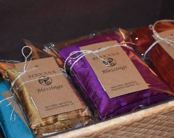 MeDiTaTiVe silk EYE PILLOW large organic golden flaxseed and lavender