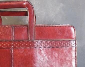 Vintage Renwick Italian Leather Attache Case Briefcase Retractable Handles
