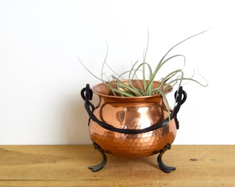 Vintage German copper planter...German copper cauldron...hammered copper cauldron with cast iron handle and feet...made in Germany.
