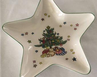 Nikko Christmastime Pattern Star Shaped Tray