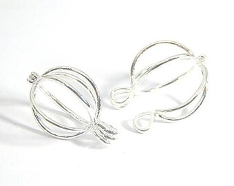 1 large pendant cage silver 28mm brass beads