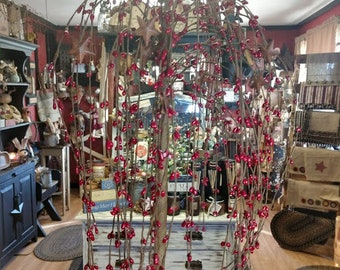 Red Berry Willow Tree with Rusty Metal Stars   24 inches