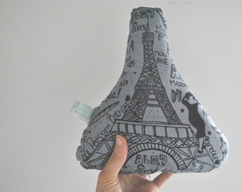 Decorative cushion with romantic tour Eiffel for Paris and France lovers handmade in cotton fabric gift idea for Valentines