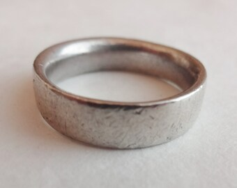 Simple Sterling Band Size 8 1/2