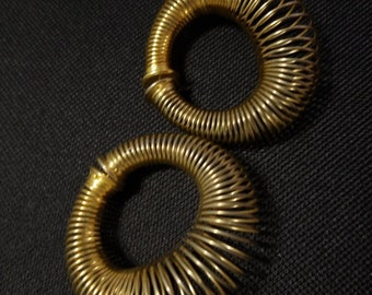 Unique Vintage Coiled Spring Wire Graduated Gold Hoops Pierced Post Hoop Earrings