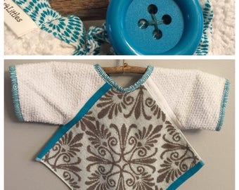 BL009 - FREE SHIPPING - Baby Bib with Sleeves, Toddler Bib with Sleeves, Button Clasp, First Birthday, Girl, Teal, Gray Design