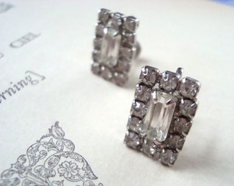 Vintage Rhinestone Earrings Clip Ons Bridal Jewelry Holiday Jewelry Gifts Under 30 Rhinestone Jewelry Crystal Jewelry Rectangle Sparkly