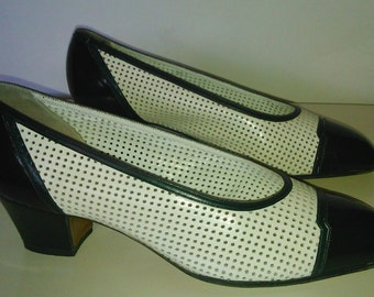 VIntage heels shoes white and black leather 1980 35