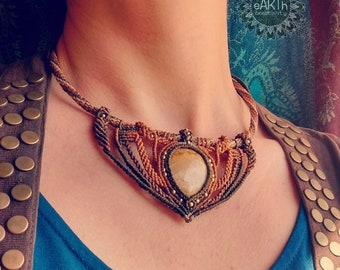 Ethnic necklace in macramé with fossil wood-macramé ethnic necklace with fossil wood