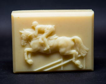 Luna - 100% handcrafted natural soap for the horse lover, offering a lustrous lather, creamy wash and intoxicating scents.