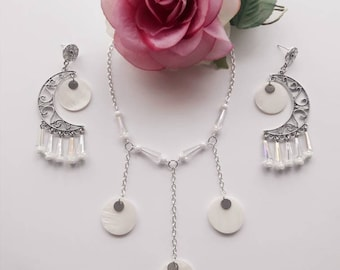 Set necklace earrings/pendant half moon/cone/White Pearl