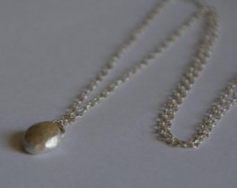 Silver pebble necklace, hammered necklace, nugget necklace, minimalist necklace, long dainty necklace, simple necklace delicate