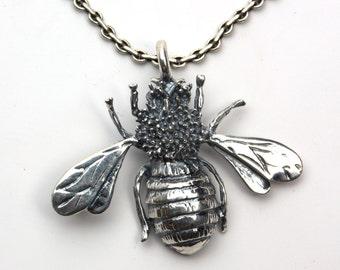 Silver Bumblebee Pendant - 40mm Ucmdu7Bf2X