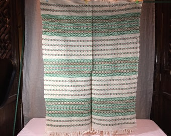 Hand woven Scandinavian fine cloth with Christmas colors