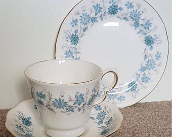 Colclough Braganza pattern  trio - cup, saucer and side plate. Vintage from the 1960's-70's.