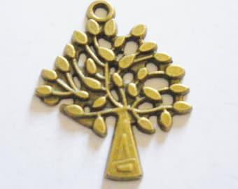 2 pendant filigree tree of life pattern