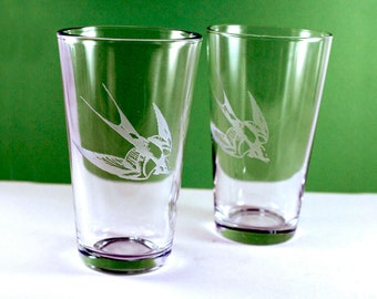 1 Swallow Bird Etched Pint Glass