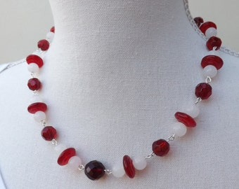 Christmas necklace,  red and white necklace, glass necklace, necklace, handmade bead chain necklace