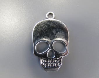 Large Silver Skull Jewellery making charm pendant