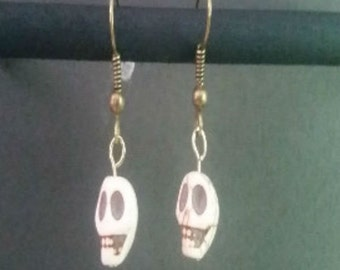 Skull Earrings, Halloween Earrings, Goth Earrings, Gothic Earrings, Dangle and Drop Earrings