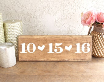 Wood Sign Wedding Date - Wedding Date Wood Sign - Sign for Save the Date Photos - Engagement Photos Sign - Save the Date Sign - Wood Sign