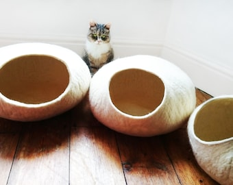 Cat Cave / cat bed - handmade felt - White - S,M,L,Xl + free felted balls