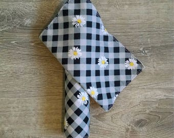 Picnic Daisies Cloth Napkins set of 6, unpaper towels, eco friendly cleaning, housewarming gift, bridal shower gift