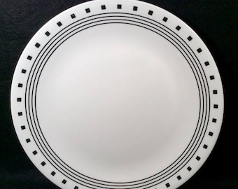 ON SALE Corelle CITY Block Set of 4 Dinner Plates Livingware Black Rings u0026 Squares Dinnerware Excellent Condition : corelle dinner plates - pezcame.com