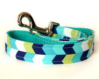 Chevron Dog Leash, Handmade Fabric & Webbing Leash, Dog Lead, 4 foot 5 foot or 1.5 foot Traffic Lead, Dog Accessories, Designer Dog Leash