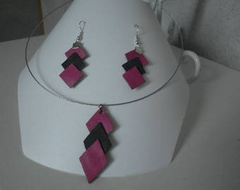 loop-earrings in fuchsia and grey leather necklace