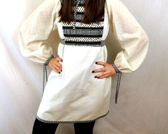 Vintage 1970s Young Edwardian By Arpeja Super Cute Peasant Babydoll Mini Dress