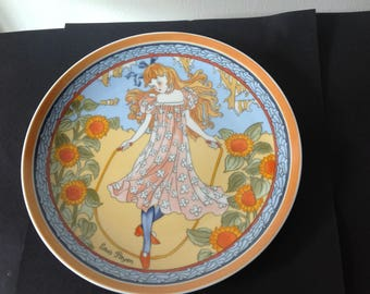 Vintage Plate Girl with SunFlowers Unicef Children of the World Plate Europa by Louis Payen