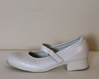 Girls Shoes White Shoes White Girls Shoes Leather Girl Shoes Ivory Kids Shoes Vintage Children Ankle Strap Shoes Size 35