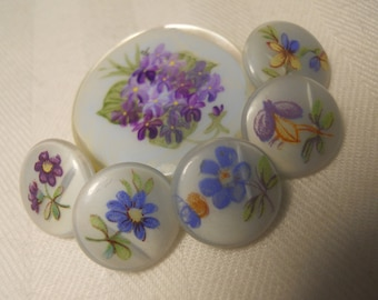 Mother of Pearl and glass vintage buttons ~ Lavender flowers Set of 5