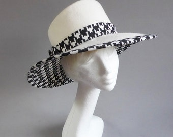 off white felt hat with houndstooth decoration size 58,5 cm 23 inch sale