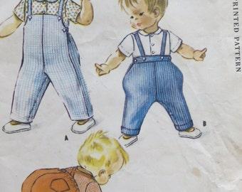 1 patron McCalls. Facile de coudre 2386. Les tout-petits Jodhpurs, coveralles et chemise. SIZ 1. Un design Hi-line. non coupé. 1960. HM. P-2386-13,2-11,8.