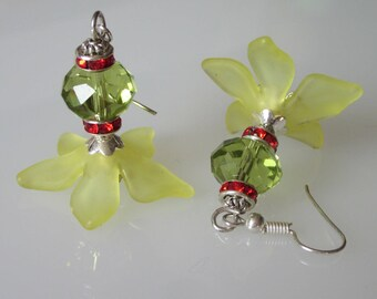 Yellow Flower Earrings, Peridot Crystal, Crystal Flower, Gift for Wife, Yellow Flower Drop, Red Rhinestone