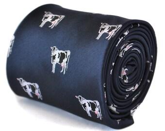 corbata azul marino con diseño de vaca bordada con diseño floral de la firma en la parte trasera de Frederick Thomas FT2104