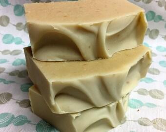 Savon à la soie Fleur d'avoine, lait d'avoine, douceur, hydratant, fait main, handmade, savon bébé