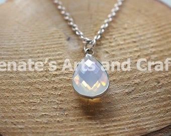 Elegant clear gemstone necklace