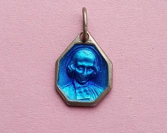 Religious antique French catholic silvered medal pendant medaillon medallion of le saint Curé d'Ars, Saint John Vianney and Saint Philomena.